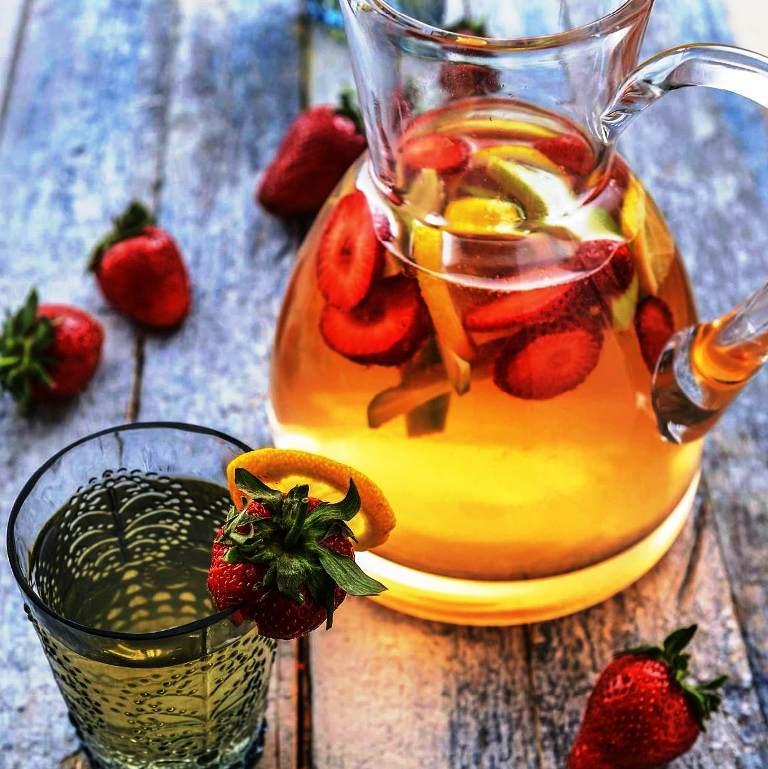 Su, Herbalife Nutrition Herbal Aloe Konsantre İçecek bir arda lezzet tavan.