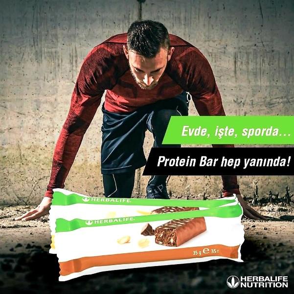Herbalife Protein bar, zengin içeriği ile molalarınızı keyifli anlara dönüştürür.
