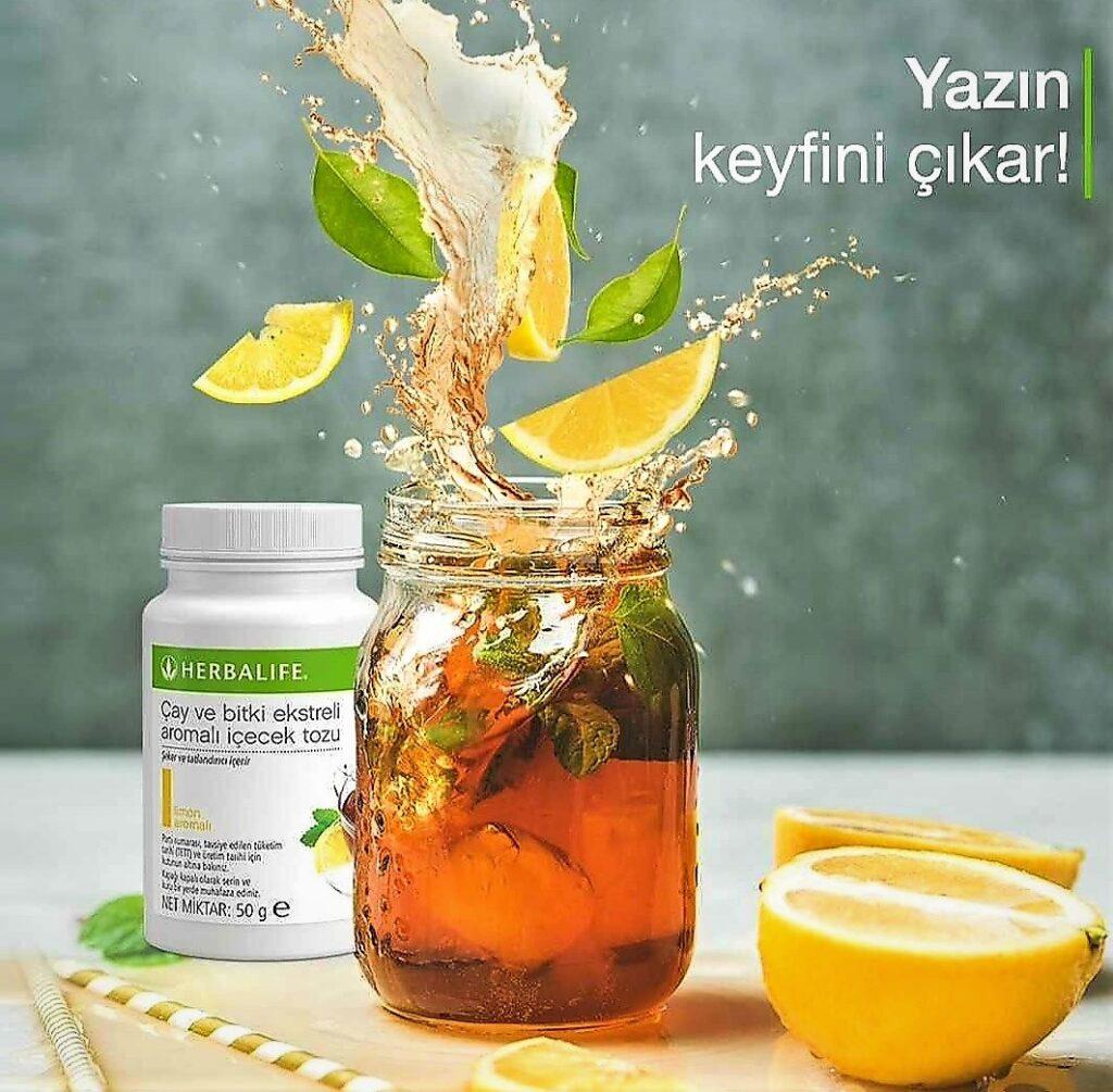 Herbalife Nutrition çay ve bitki ekstreli aromalı içecek tozu.